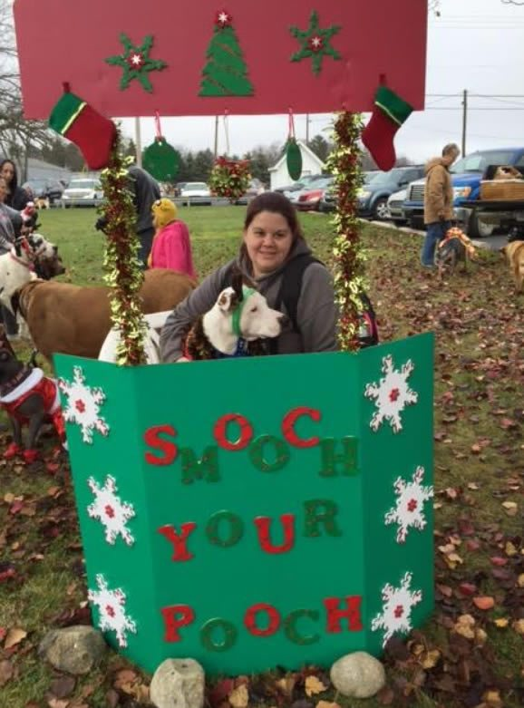 christmas in ida smooch your pooch and holiday hounds on parade - Christmas In Ida